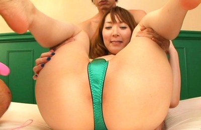 Shiori Inamori Asian doll shows off her hot pussy
