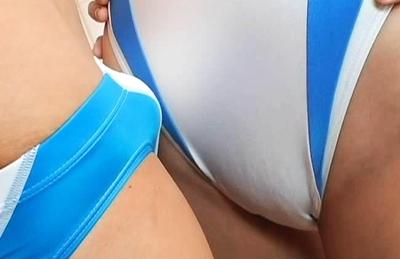 Big girls vs smailgirls wrestling
