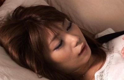 Hikari Hino Japanese babe fingers her wet snatch