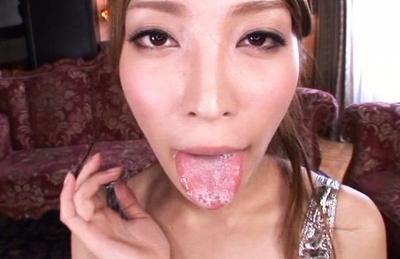Young japanese babe Kokomi Sakura loves to deepthroat