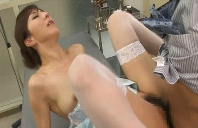 Honami Takasaka Naughty Asian Model Plays With Her Doctor