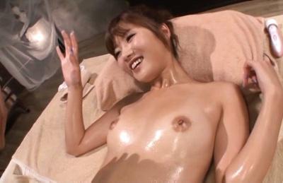 Wet Maya Kawamura amazes in full lingerie hardcore