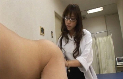 Serina Hayakawa Naughty Asian doctor sucks her patients