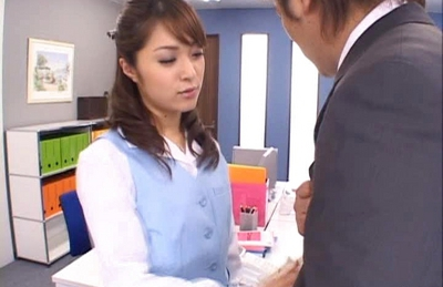 Mihiro Hot Asian model enjoys getting an office fucking
